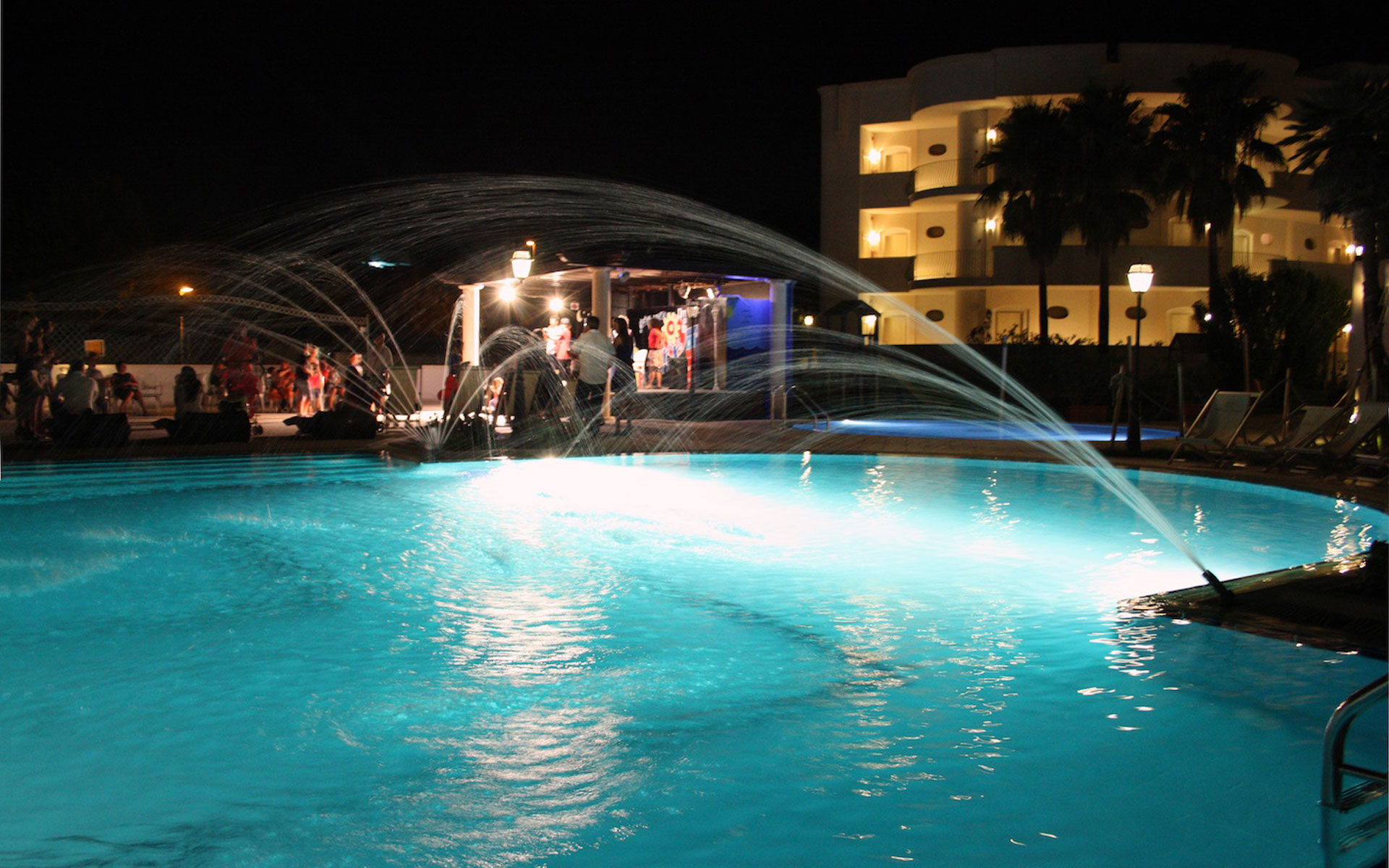 Hotel sul mare in Puglia Salento - foto piscina Hotel Gabbiano www.gabbianohotel.it